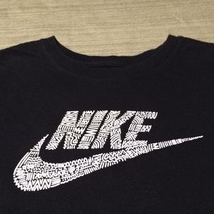 NIKE ATHLETIC CUT BEAUTIFUL TOP TEE EXCELLENT